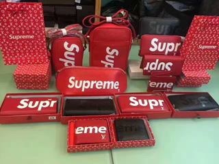 Supreme&ルイヴィトンスーパーコピー財布バックベルト服靴代引き