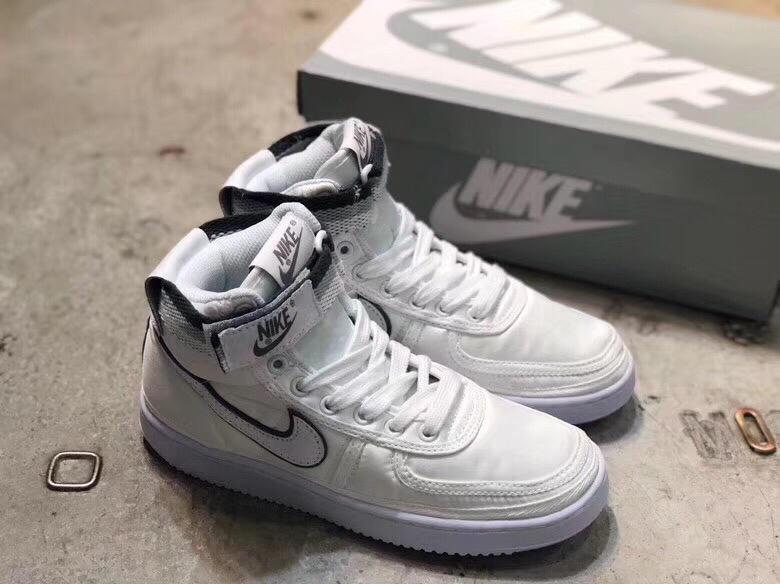 Supreme*Nike 靴 メンズ/レディース スーパーコピーブランド 代引き可能 2色 P6726078