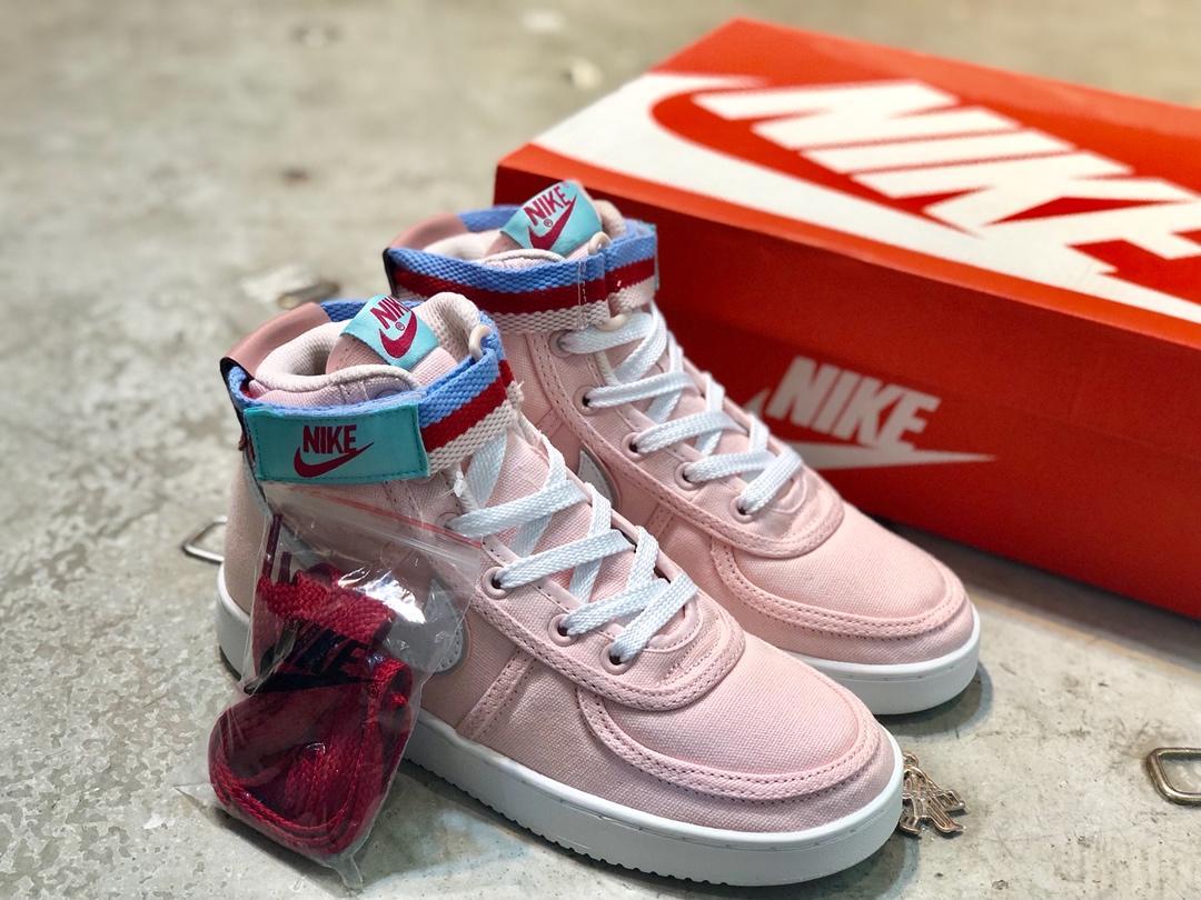 Supreme*Nikeレディース 靴 通販信用できる 安全日本国内発送 2色 AH8652