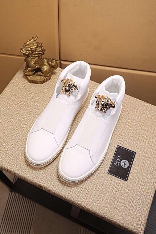 Versaceヴェルサーチ メンズ 靴 商品届いた 代引き日本国内発送 n級とは 2色 p5726046