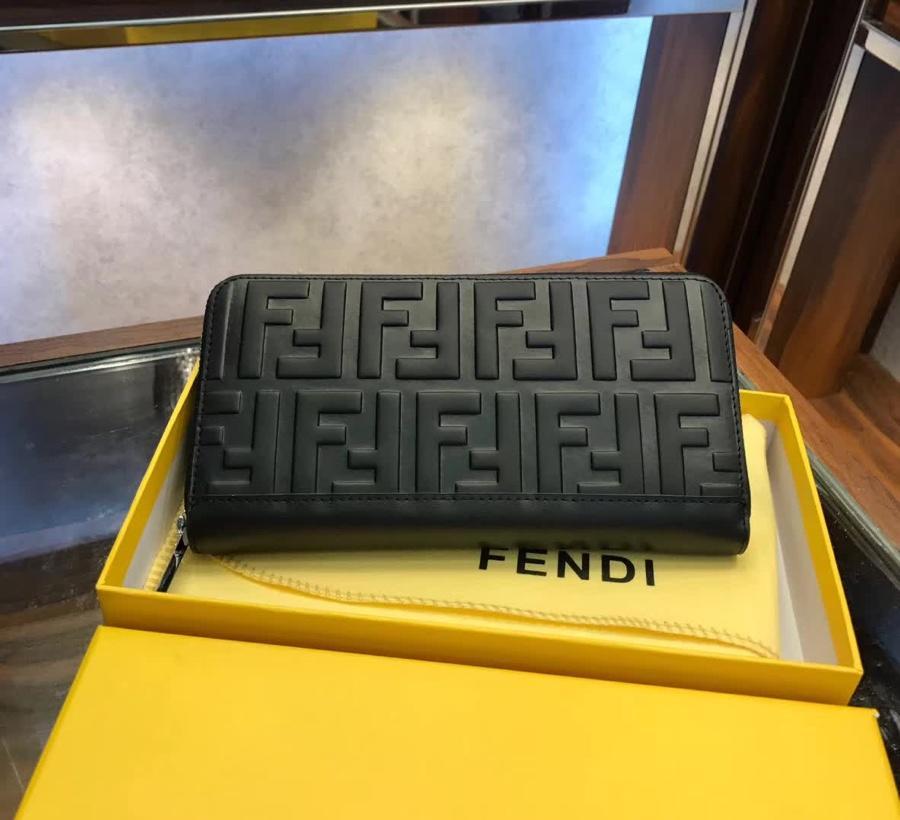 fendi フェンディ  メンズ 財布 おすすめ 後払い 代引き通販口コミ 2228