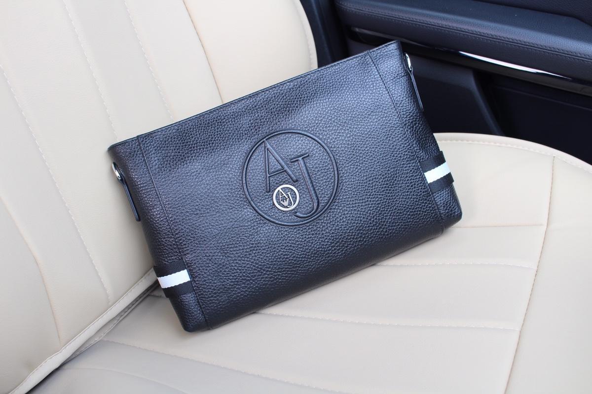 Armaniアルマーニ メンズ クラッチバッグ 国内販売店 代引き安全 4710