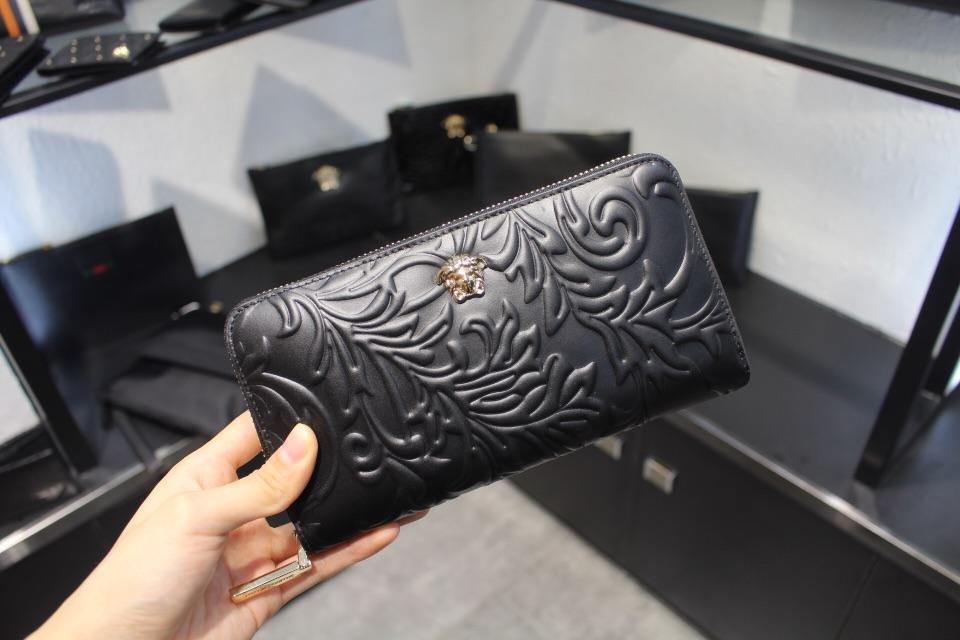 Versaceヴェルサーチ メンズ 財布 ブランドスーパーコピー 激安 おすすめ 安全必ず届く 52731
