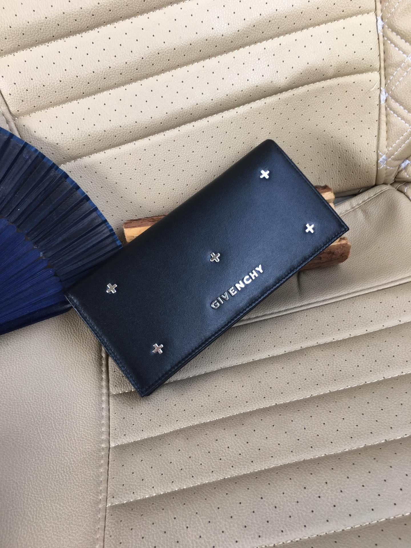 ジバンシーGivenchy メンズ 財布 スーパーコピー 安全必ず届く 通販代引き 832-3