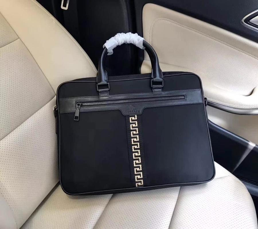 Versaceヴェルサーチ メンズ ビジネスバッグ 専門店信頼 代引きランキング 3250-1