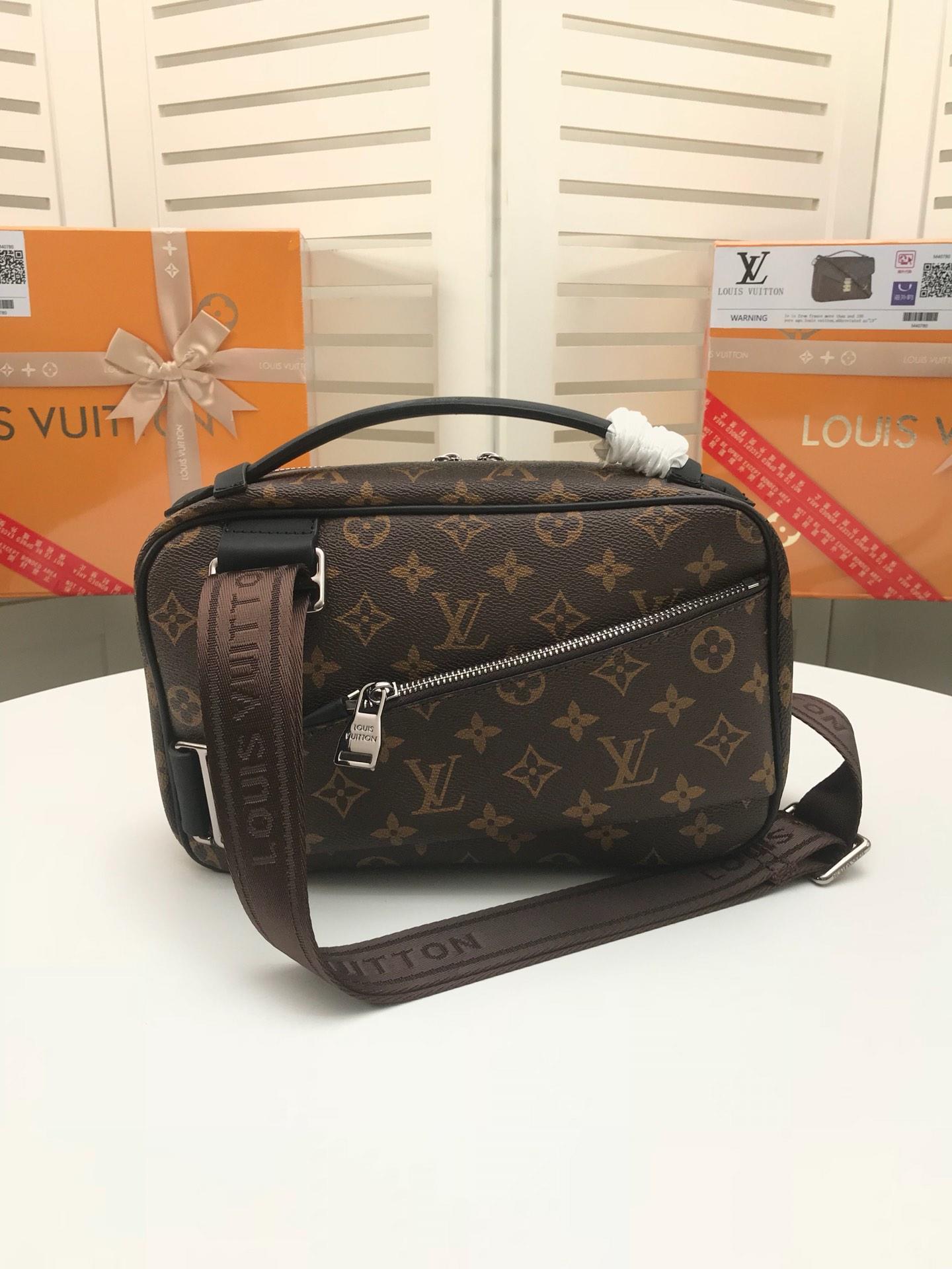 Louis Vuitton ルイヴィトン メンズ ウェストバッグ 2色 安全必ず届く 代引き可能  M42906
