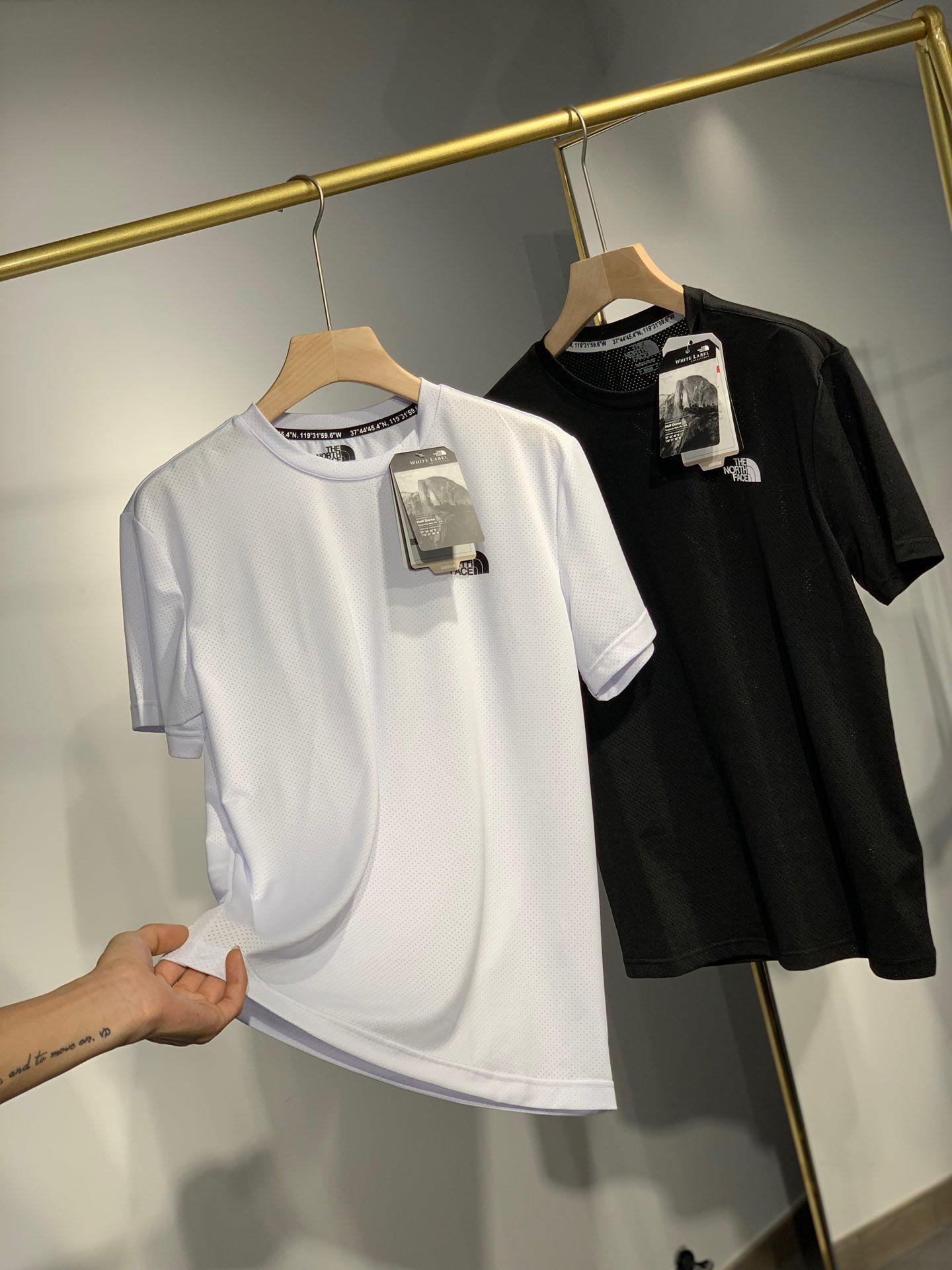 The North Face メンズ Tシャツ 3色 ブランドコピー おすすめ 口コミ激安販売