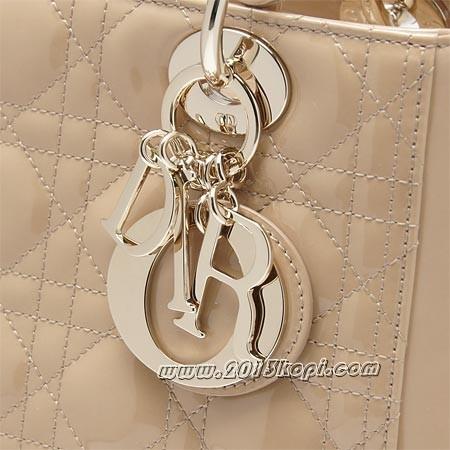 クリスチャンディオール vrb44550 111uロゴチャーム付きハンドバッグ レディディオール グロスベージュ レディース