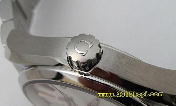 オメガ シーマスター 231.10.39.21.02.001コーアクシャルアクアテラクロノメーター(M)