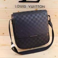 良品ルイヴィトン Louis Vuitton セール価格 M97039 新入荷安い メンズショルダーバッグスーパーコピー安全後払い