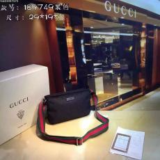 ブランド販売 GCUUI グッチ  189749  メンズショルダーバッグスーパーコピーバッグ激安安全後払い販売専門店