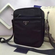 ブランド販売 プラダ PRADA  2002  メンズ斜めがけショルダーブランドコピーバッグ安全後払い専門店