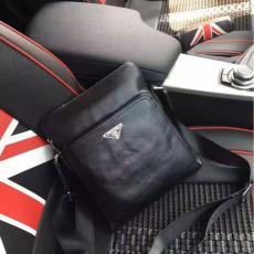 ブランド販売 PRADA プラダ  1024-3  メンズショルダーバッグ  斜めがけショルダーコピーブランドバッグ代引き
