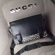 ブランド販売 GCUUI グッチ  406367 新入荷安い メンズ斜めがけショルダーブランドコピー国内発送専門店