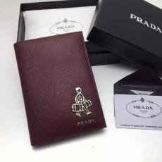 ブランド国内 プラダ PRADA  2M1412小公仔 2018年新作 財布 コピー 販売口コミ