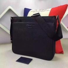 ブランド販売 プラダ PRADA  0991  メンズショルダーバッグ  斜めがけショルダーレプリカ販売バッグ