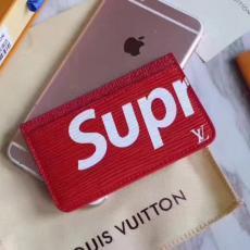新作Supreme ルイヴィトン   Louis Vuitton 値下げ M67541 新入荷 財布  メンズブランドコピー代引き財布