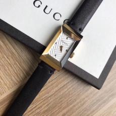 ブランド国内 グッチ  Gucci 特価クォーツスーパーコピー腕時計通販