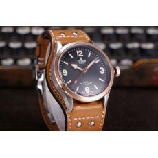 ブランド国内Tudor チュードル  特価自動巻きスーパーコピーブランド腕時計激安国内発送販売専門店