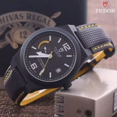 ブランド国内 チュードル   Tudor クォーツレプリカ販売